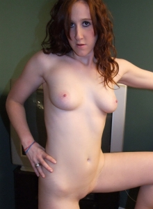 Horny Teen Ruby Gets Naked And Starts To Finger Her Moist Pussy - Picture 9
